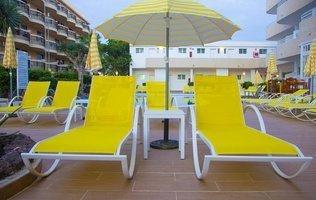 Terraza solarium Hotel Coral California